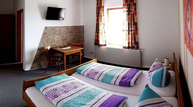 Modernes und helles Gästezimmer